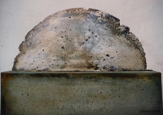 21-Halbkreis, Beton bemalt, cm. 40 ca.