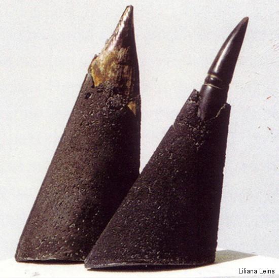 10-Coni, Beton und Horn, H. cm. 30