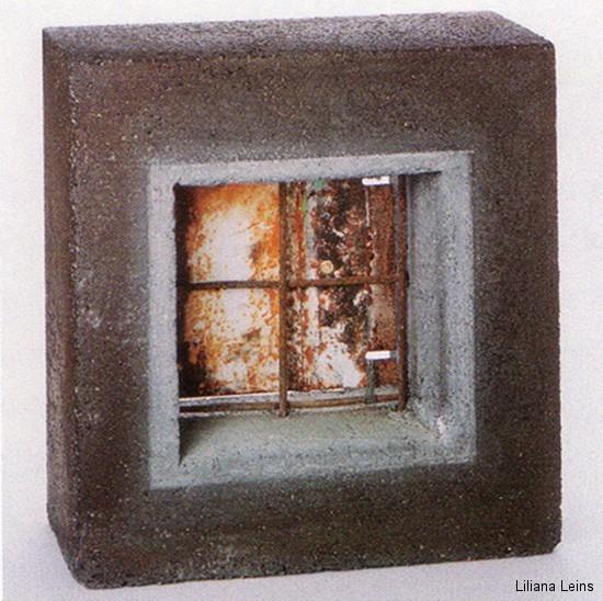 17-Fenster, Beton und Eisen, cm. 40 x 40